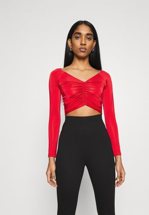 RUCHED FRONT BARDOT CROP - Long sleeved top - bright red