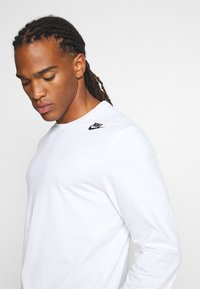 Nike Sportswear - TEE - Långärmad tröja - white - 3