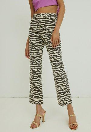 SIMEA - Flared Jeans - schwarz