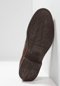 camel active - ORLANDO - Elegantní šněrovací boty - nougat - 4