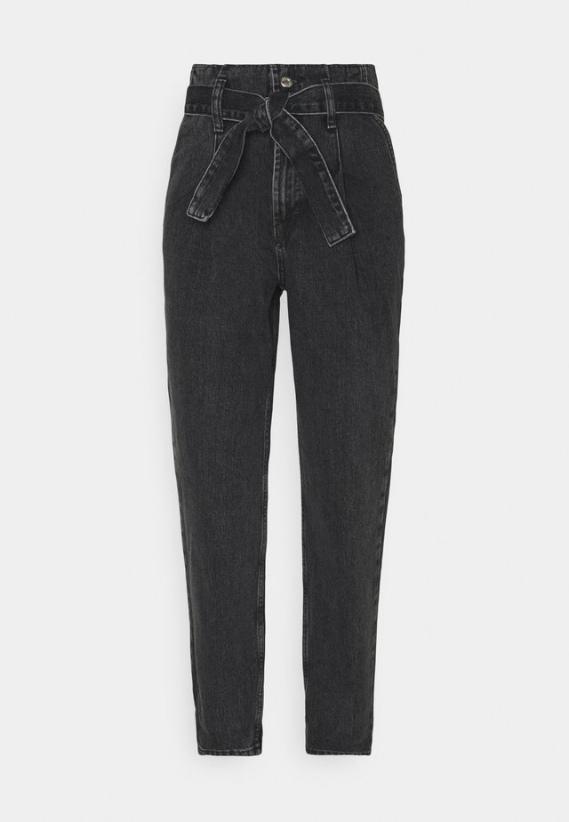 PAPERBAG MOM - Džíny Relaxed Fit - washed black