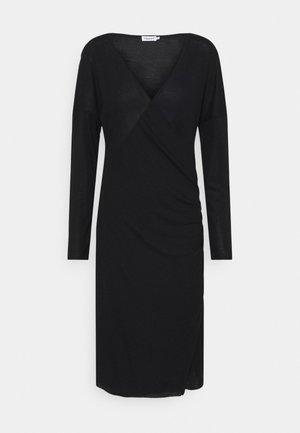 LEONIE WRAP DRESS - Žerzejové šaty - black