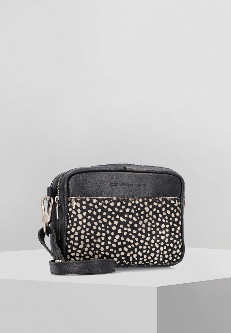 Cowboysbag - Across body bag - black/beige