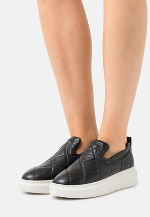 ALAYA - Sneakers laag - black