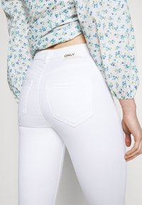 ONLY - ONLBLAKE LIFE SKINNY - Jeans Skinny Fit - white - 5