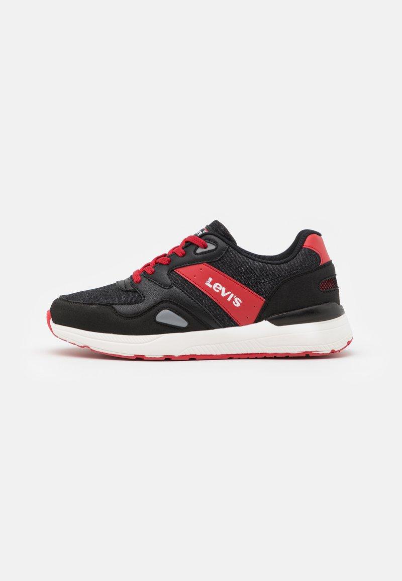 Levi's® - BOSTON  - Tenisky - black/red