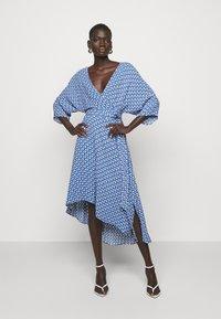 Diane von Furstenberg - ELOISE - Juhlamekko - blue - 0