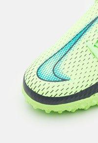 Nike Performance - JR PHANTOM GT ACADEMY DF TF UNISEX - Kopačky na umělý trávník - lime glow/aquamarine - 5