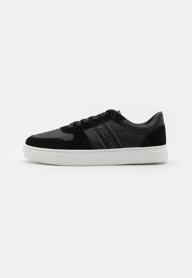 GERAN - Trainers - black