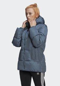 adidas Originals - WINTER REGULAR JACKET - Down jacket - legacy blue - 0