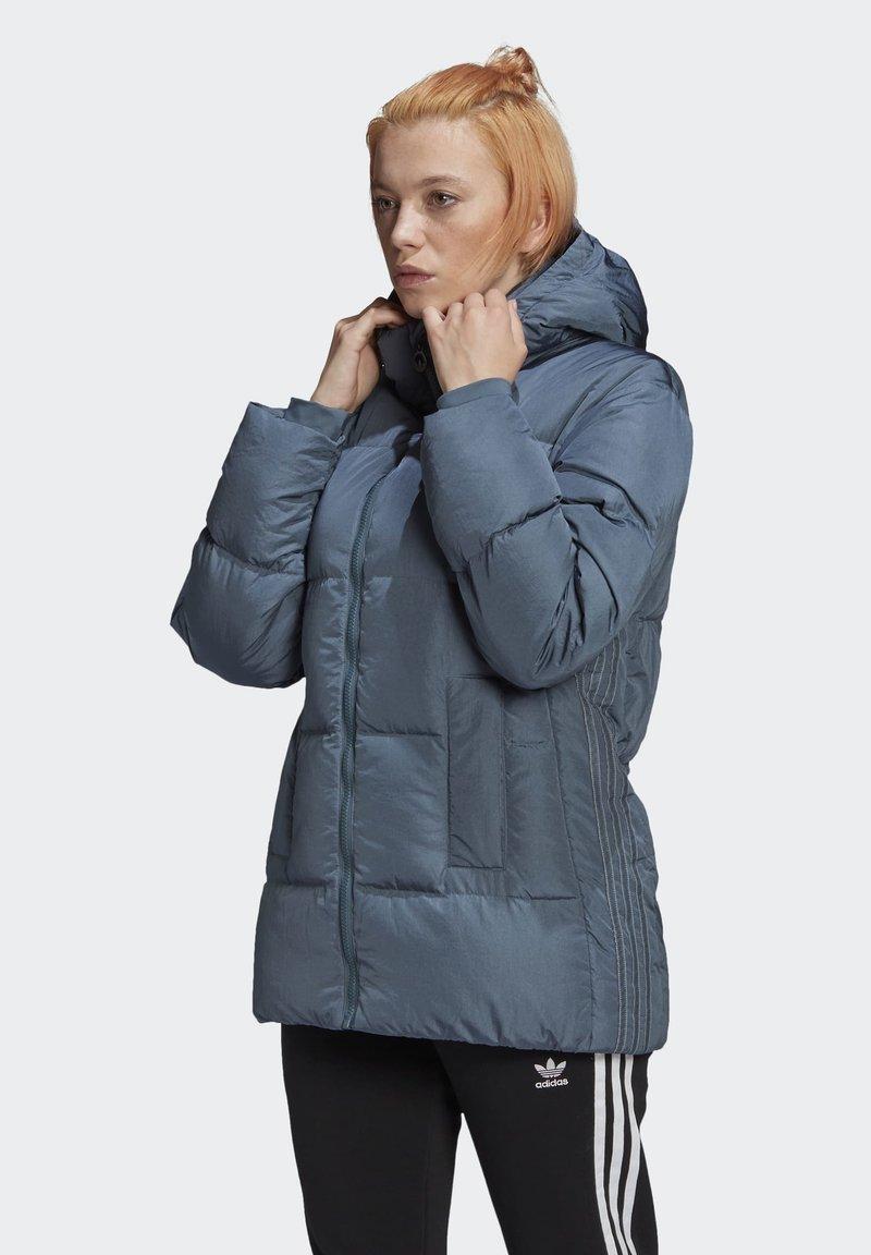 adidas Originals - WINTER REGULAR JACKET - Down jacket - legacy blue