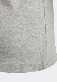 adidas Performance - ESSENTIALS LINEAR T-SHIRT - T-shirt z nadrukiem - grey - 4