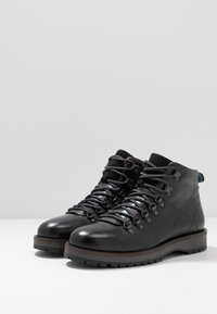 Shoe The Bear - LAWRENCE - Lace-up ankle boots - black - 2