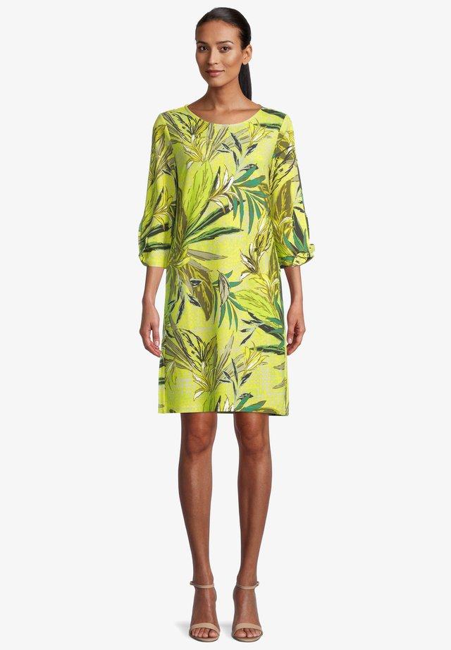 Robe d'été - green/yellow