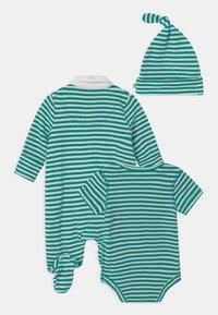 Frugi - DELIGHTFUL BABY GIFT SET UNISEX - Print T-shirt - green - 1