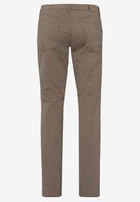 BRAX - CHUCK - Trousers - beige - 6