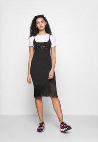 Puma - CLASSICS DRESS - Vestido ligero - black - 1
