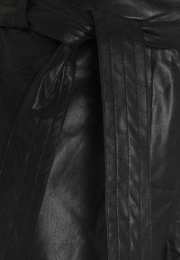 Vila - VIVIVI HWRE CROPPED COATED PANTS - Kalhoty - black - 2