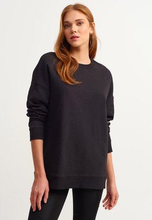 MIT WEICHEM TRAGEKOMFORT - Sweatshirt - black