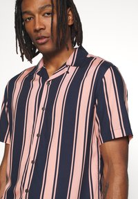 Only & Sons - ONSWAYNI STRIPED - Shirt - misty rose - 4