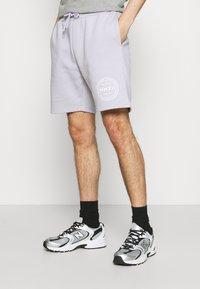 CLOSURE London - LOGO EMBLEM  - Shorts - lilac - 0