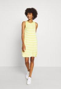 GAP - SWING DRESS - Robe en jersey - yellow - 0