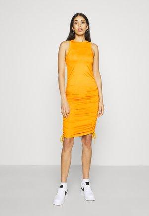 ENSTEVIA DRESS - Žerzejové šaty - cadmium yellow