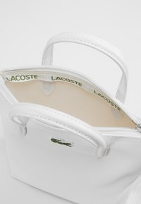 Lacoste - SHOPPING CROSS BAG - Handbag - bright white - 4