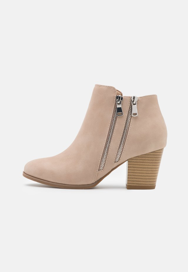 WHAMMY - Ankle boot - beige
