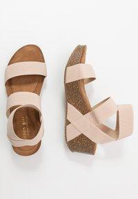 Madden Girl - ZOEY - Sandály na platformě - nude - 3