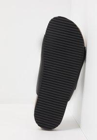 Burton Menswear London - FLOYD  - Domácí obuv - black - 4