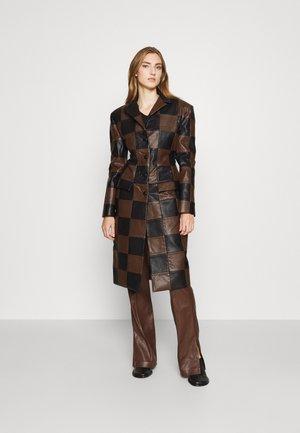 ALASTAIR COAT - Classic coat - black
