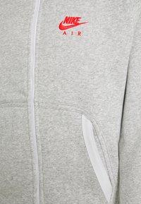 Nike Sportswear - HOODIE - Zip-up sweatshirt - grey heather/summit white/infrared - 2