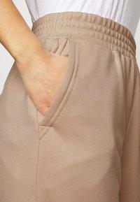 Fashion Union Petite - BERGAMOT PANT - Trainingsbroek - unbleached - 5