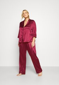 Playful Promises - LONG WITH CONTRAST PIPING - Pyjama set - wine - 1