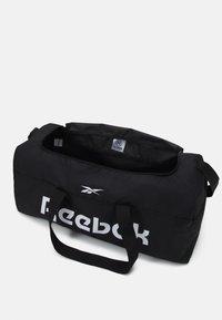 Reebok - ACT CORE GRIP UNISEX - Treningsbag - black/black - 3