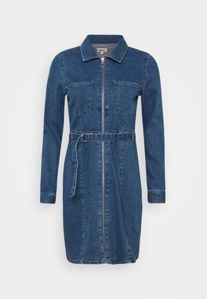 ONLPHILLY LIFE ZIPPER DRESS - Denim dress - medium blue denim