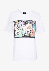 Desigual - DESIGNED BY MIRANDA MAKAROFF - T-shirts med print - blanco - 3