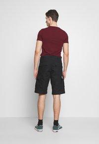 Carhartt WIP - REGULAR CARGO COLUMBIA - Shorts - black - 2
