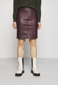 VILA PETITE - VIPEN NEW COATED SKIRT - Pencil skirt - winetasting - 0