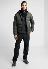 adidas Performance - HELIONIC DOWN JACKET - Chaqueta de invierno - olive - 1