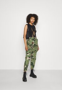 G-Star - TAPERED PATCH POCKET PANT - Trousers - khaki - 1