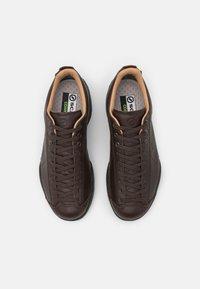 Scarpa - MOJITO URBAN GTX UNISEX - Hiking shoes - brown - 3
