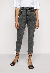 ONLY Petite - ONLWILD EMILY ANJEA - Jeans Skinny Fit - grey denim - 0