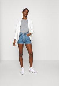 Calvin Klein Jeans - HIGH RISE  - Farkkushortsit - light blue - 1