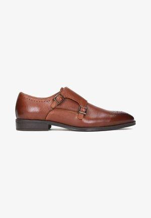 TEMI - Elegantní nazouvací boty - brown