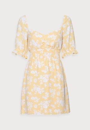 SMOCKED WAIST PAMI SHORT DRESS - Vestido informal - yellow