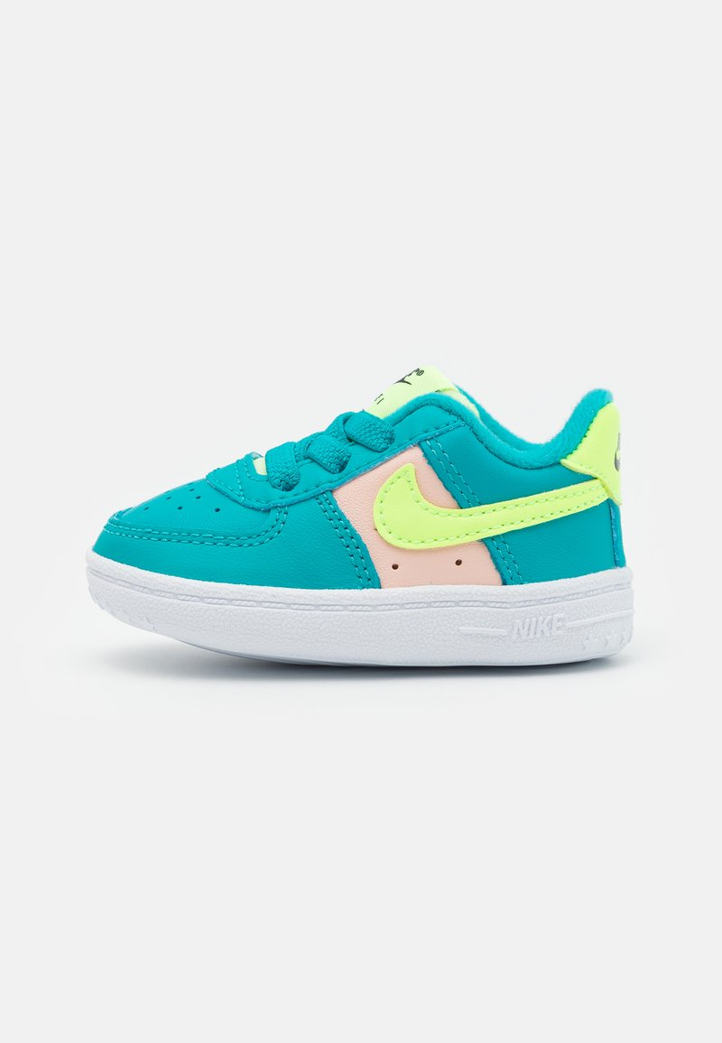 Nike Sportswear - FORCE 1 CRIB - Baby shoes - oracle aqua/ghost green/washed coral/white