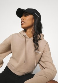 WRSTBHVR - FAITH HOODIE - Sweatshirt - roasted beige - 5