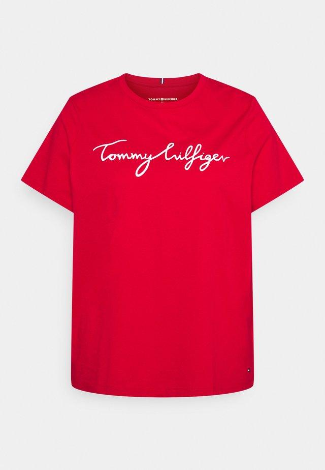 REGULAR GRAPHIC TEE - Print T-shirt - red